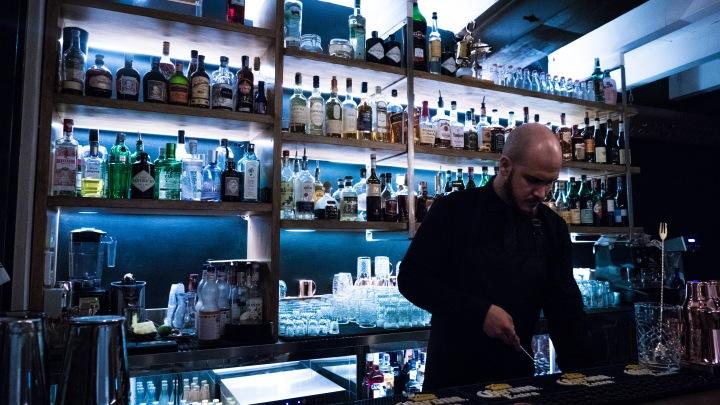 Rooster_bartender